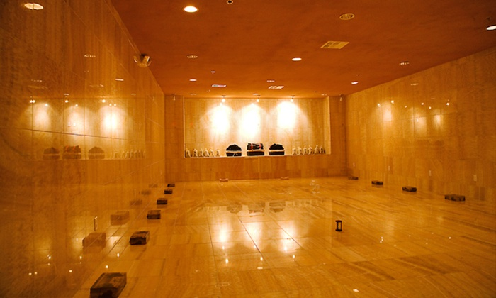 Heated Jade mineral room for use during yoga detox retreat with Diaita Yoga
